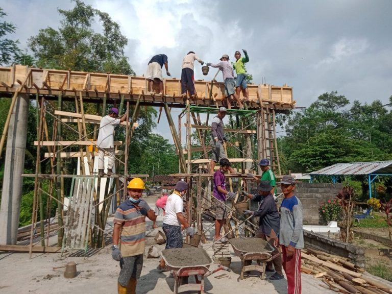 LDII Desa Jabang Bersama Masyarakat Ngecor Gapura Makam Desa